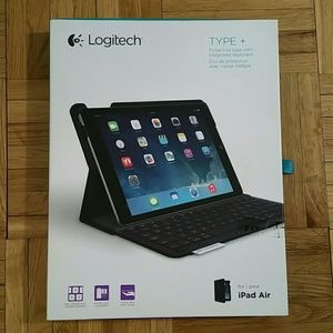 TYPE + iPad Air Protective Case w Keyboard